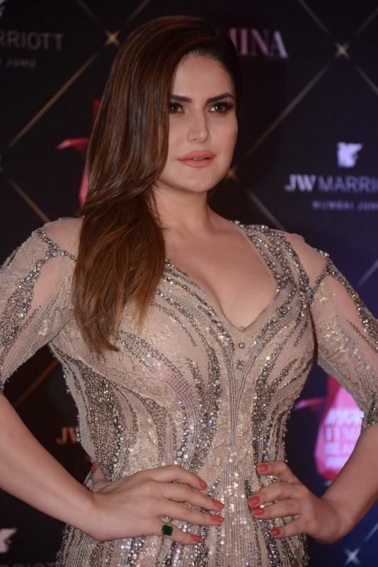 HD Hot Photos of Zareen Khan