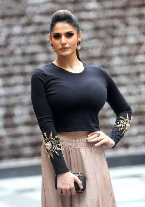 Hot Pics of Zarine Khan