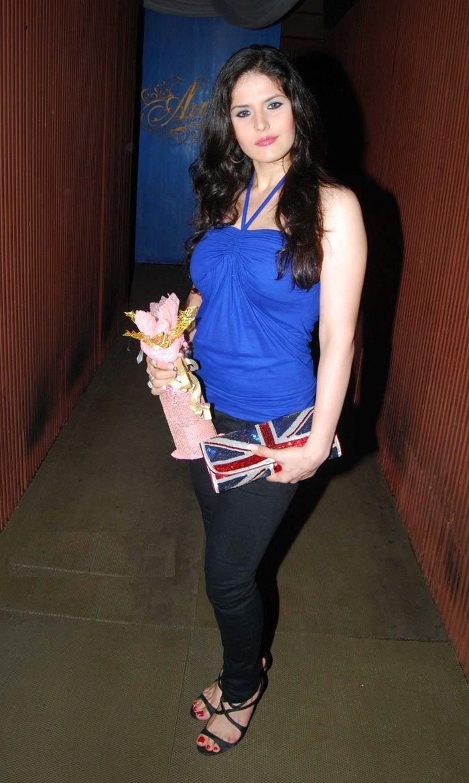 Zarine Khan HD Pics