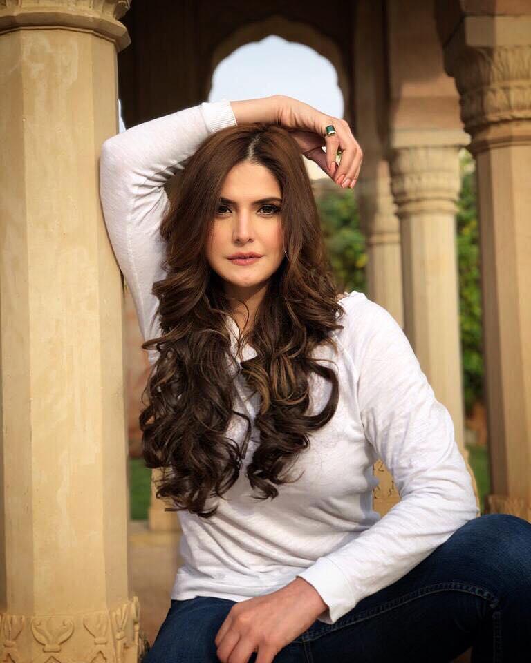 Zarine Khan Spicy Pics