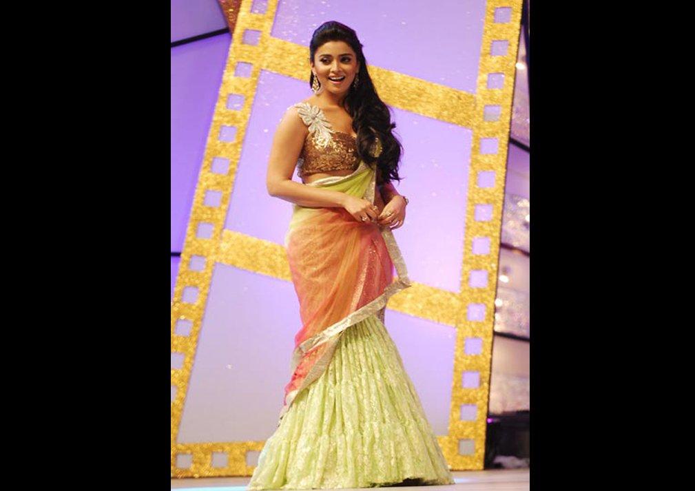 Hot Photos of Shriya Saran