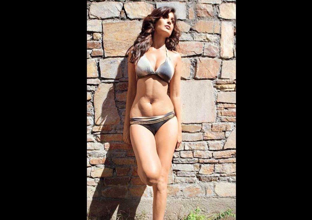 Pooja Gupta Bikni Photoshoot