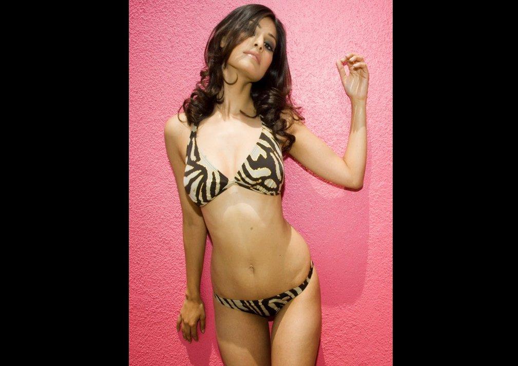 Pooja Gupta Sexy Photos