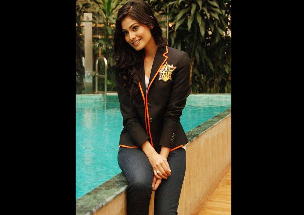 Puja Gupta Unseen Hot Pics