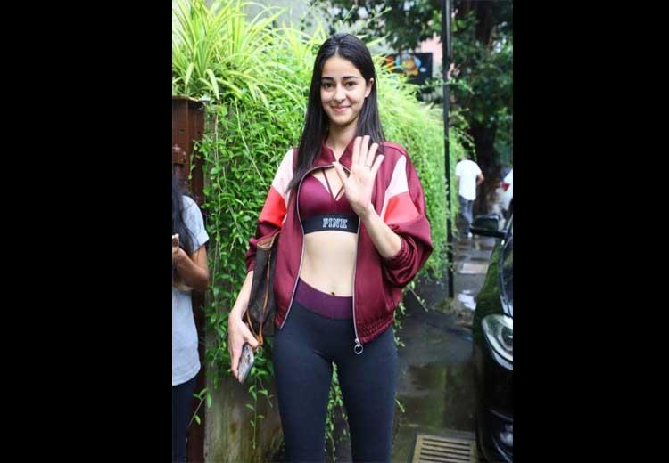 Ananya Pandey Hot Photos
