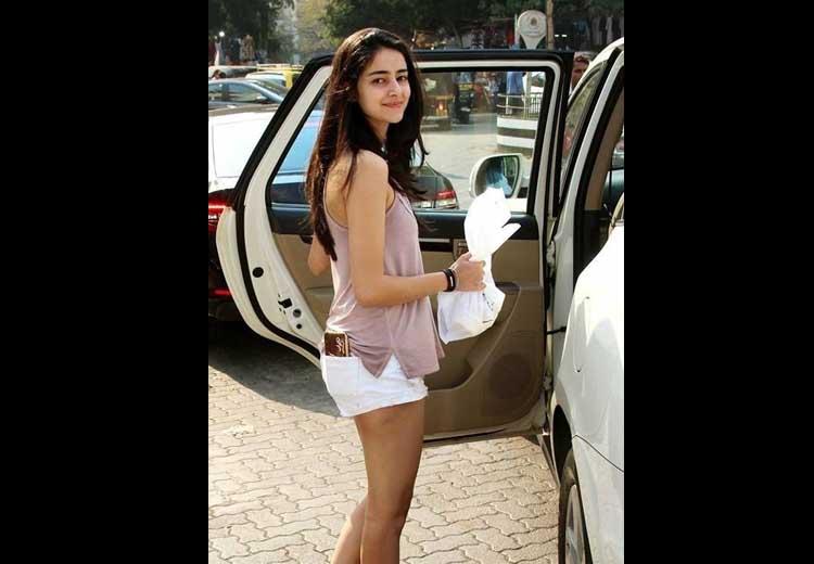 Ananya Pandey Unseen Hot Pics