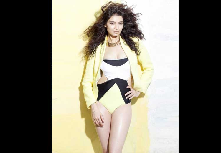 Karishma Tanna Unseen Hot Pics