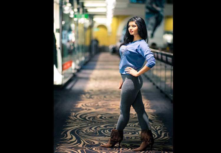 Ashima Narwal Unseen Hot Pics