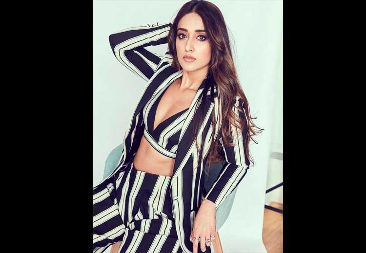 Ileana D'Cruz Hot Photos