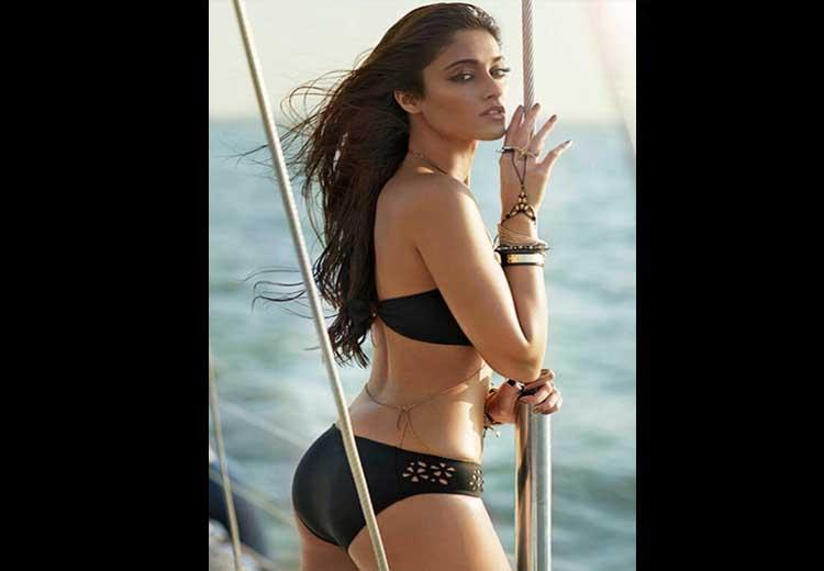 Ileana D'Cruz Hot Pics