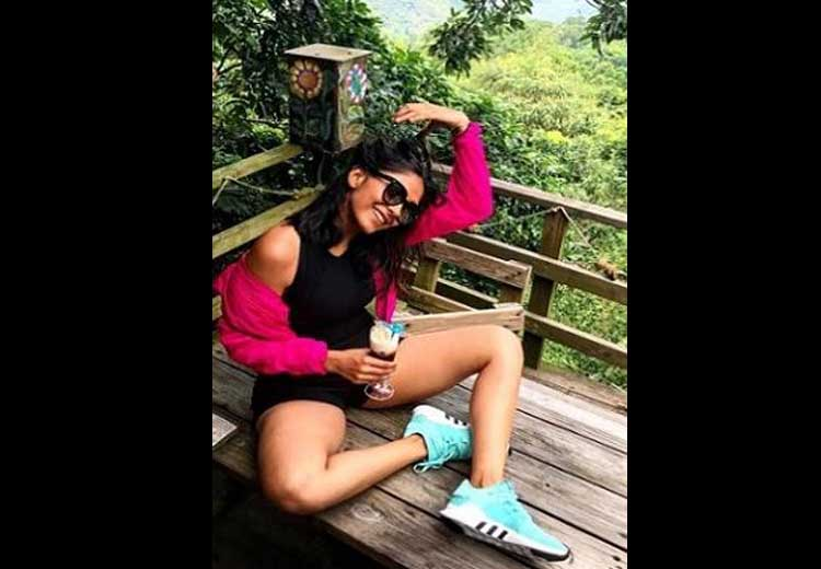 Mrunal Thakur Hot Picture