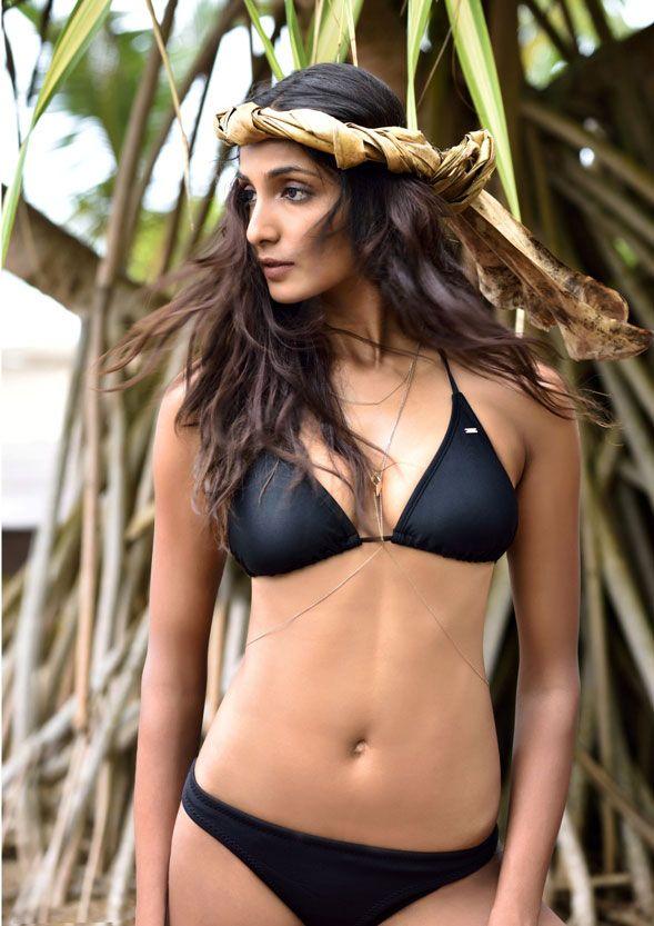Aisha Sharma Unseen Hot Pics