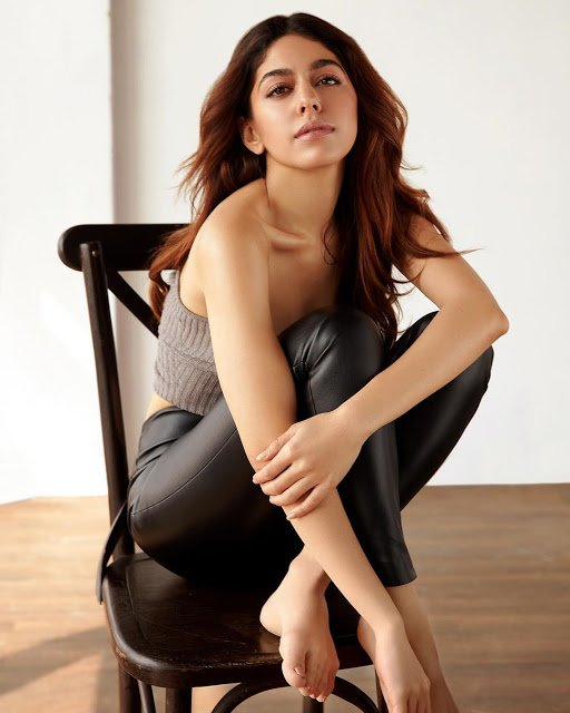 Alaya Furniturewala Hot Spicy Images