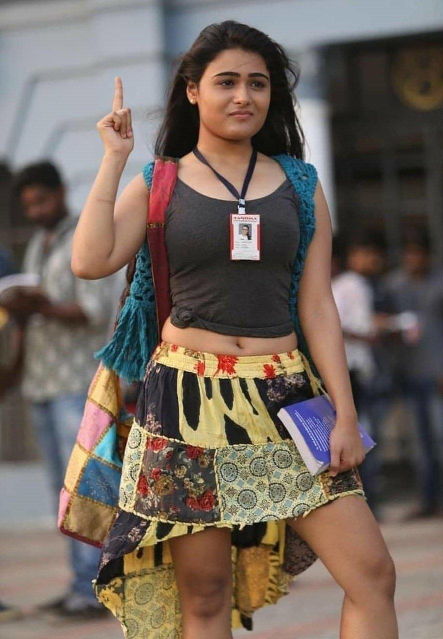 Latest Shalini Pandey Photo