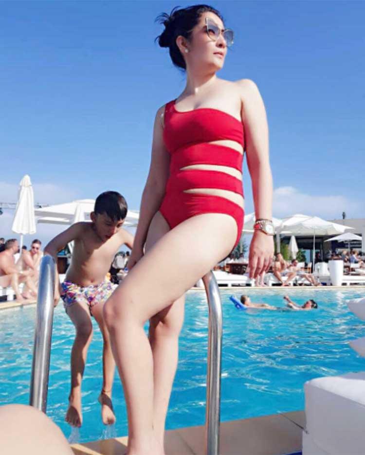 Manyata Dutt Bikini