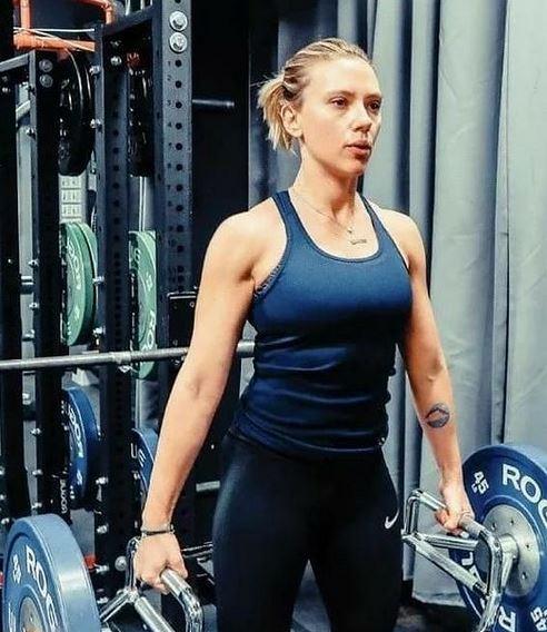 Scarlett Johansson Gym Photo