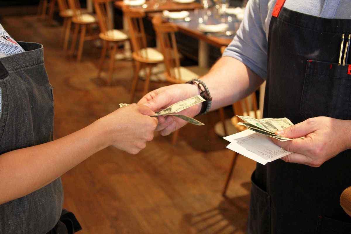 London Tip for Waiter